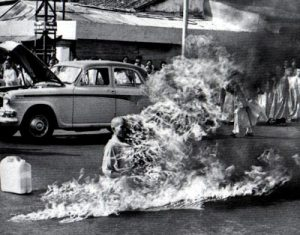 vietnam-monk-self-immolation